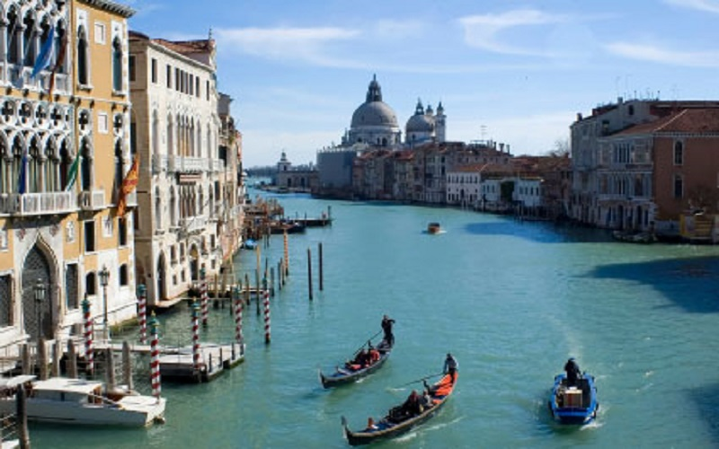 venice the city of love Venice, the city of love 1,199 likes 1 talking about this venice is a city of love take a ride through the canals of venice and enjoy the scenery.